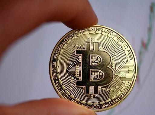 Bitcoin padalijimas į dvi stovyklas - norintiems ir tiems, kuriems to reikia